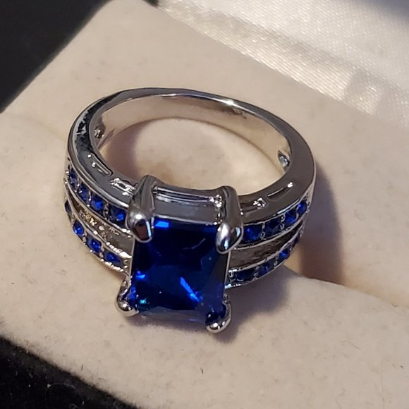 Size 6 Silver Plated Blue Sapphire Ring Rhinestone